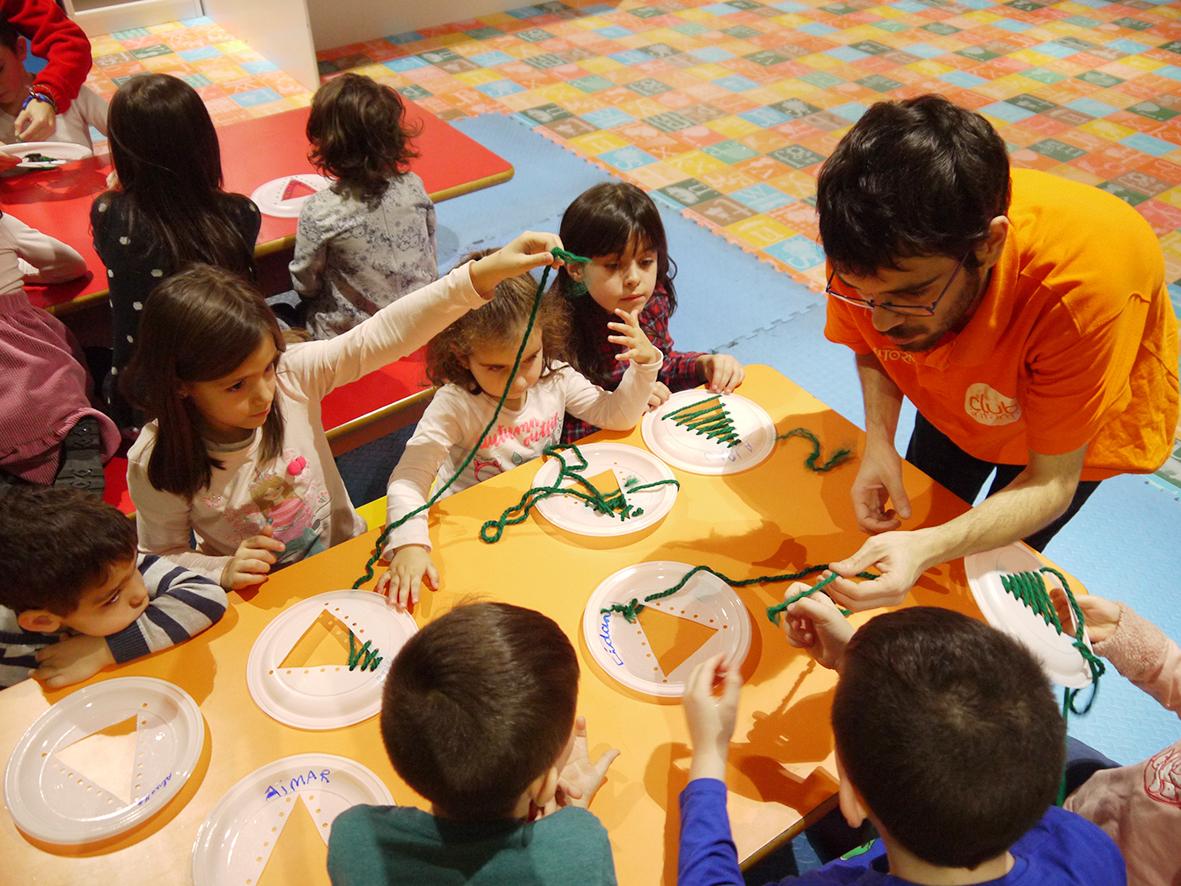 Continúan los talleres navideños para los más pequeños en El Tormes
